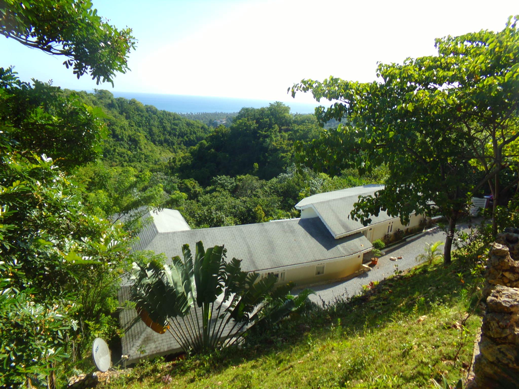 VILLA LES OISEAUX - 3 BED LUXURY OCEAN VIEW VILLA - $600,000 USD - C506LT