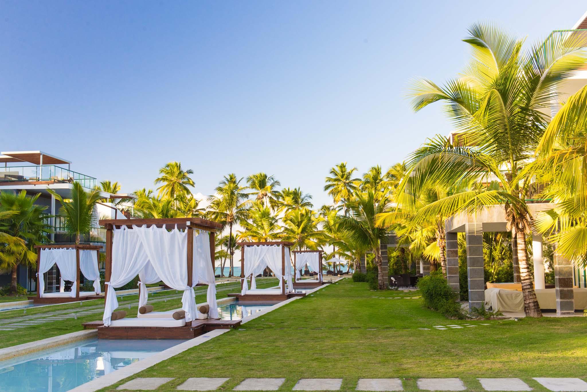 LUXURY BEACHFRONT HOTEL RESIDENCE - SEE THE OCEAN, ENJOY THE AMENITIES - A539LT