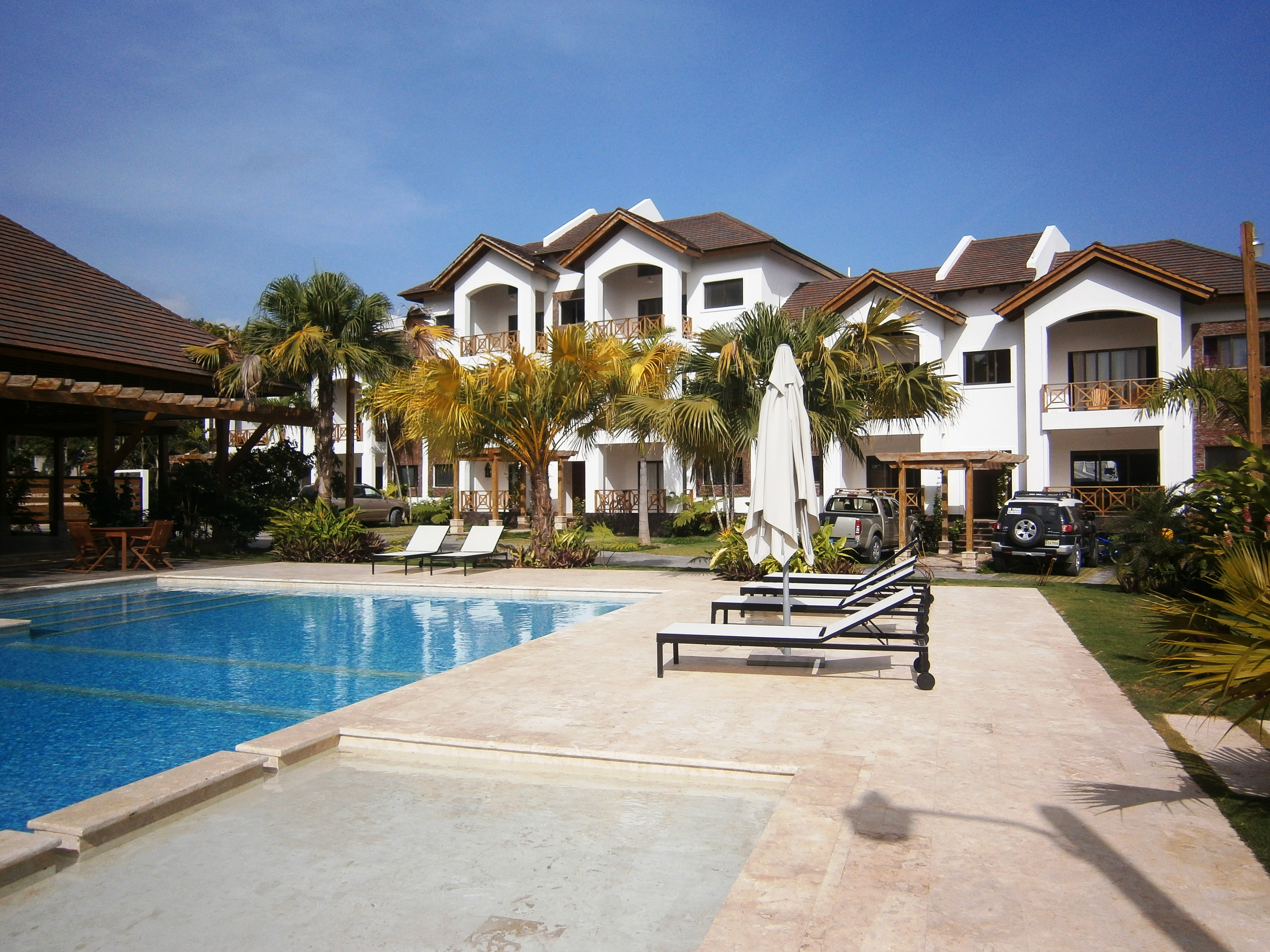 SPACIOUS 1 BED CONDO IN A FABULOUS GATED SECURE RESIDENCE  - $85,000 USD - A565LT