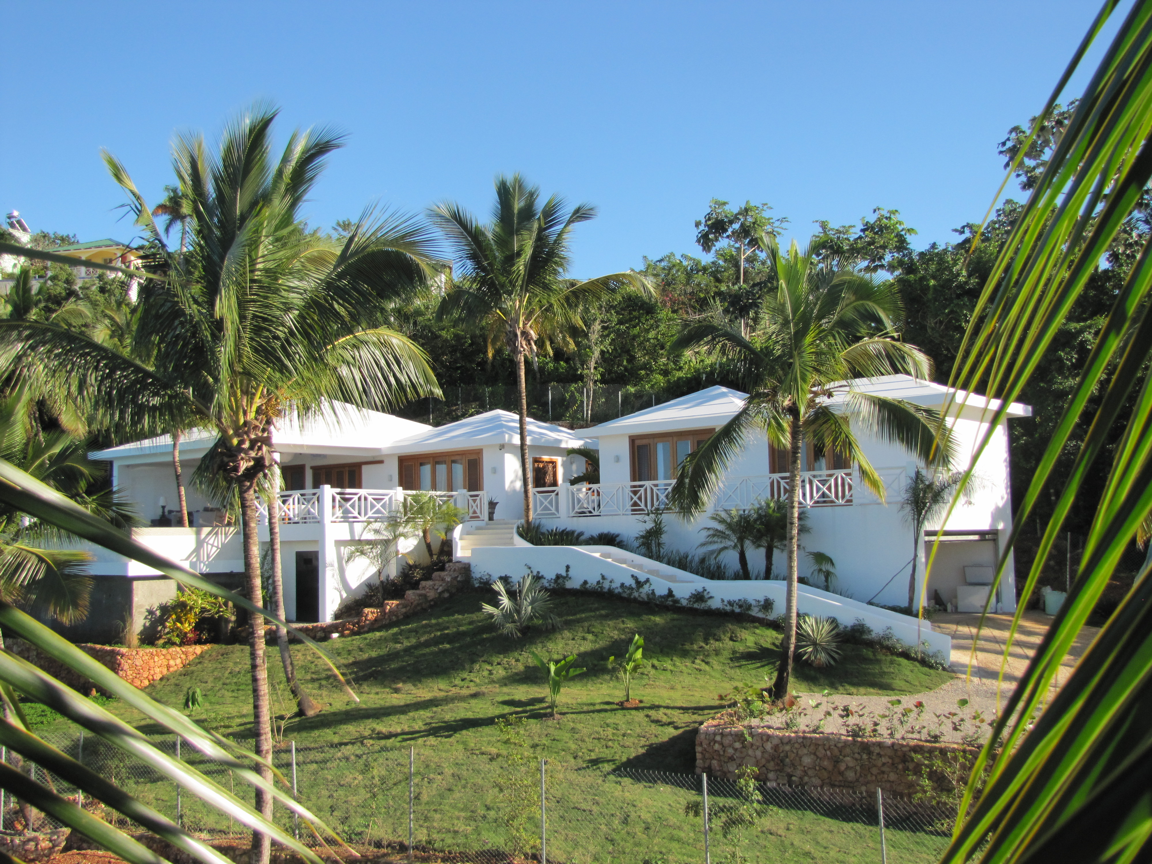 REDUCED : 4 BED TRANQUIL & PRIVATE VILLA WITH OCEAN VIEWS $620,000 USD