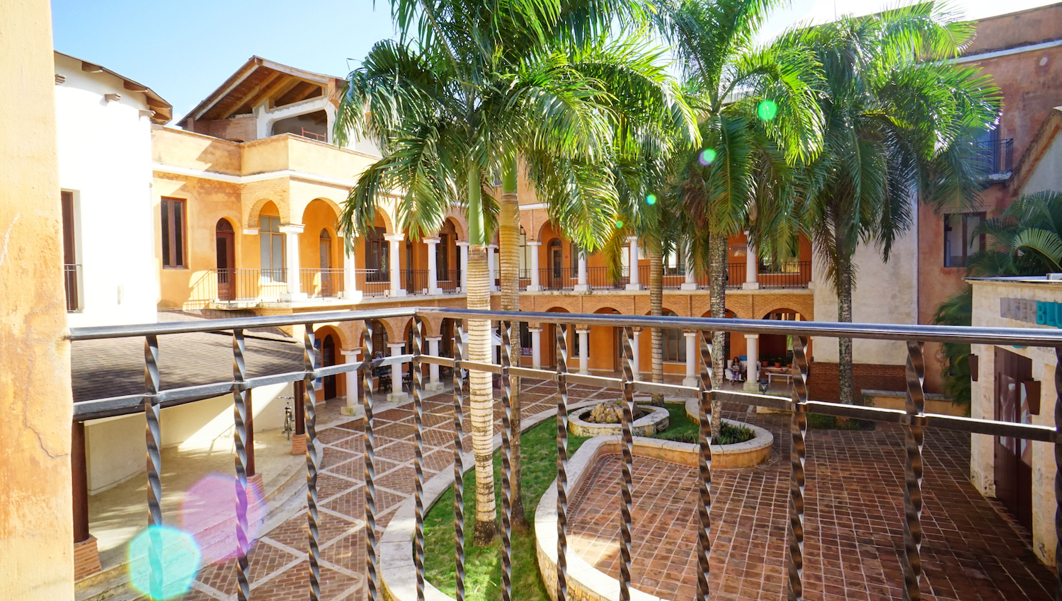 RENTAL : 1 BED / 1 BATH LOFT APARTMENT IN PLAZA COLONIAL