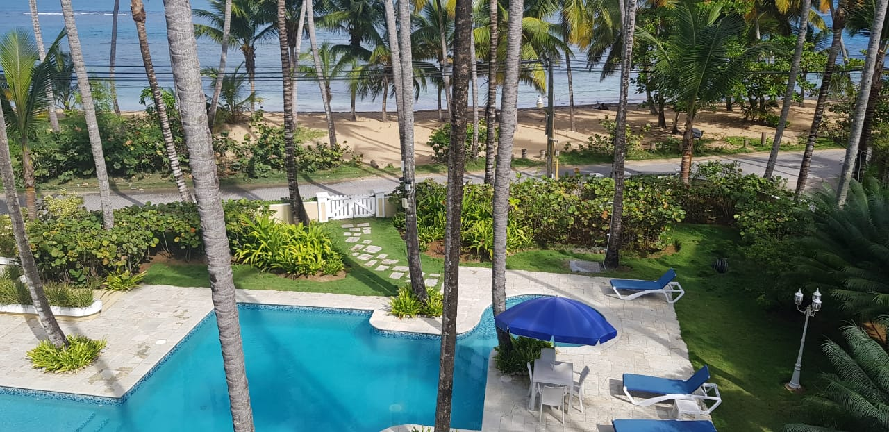 Rental investment fabulous Beachfront Condo ( rarely available)
