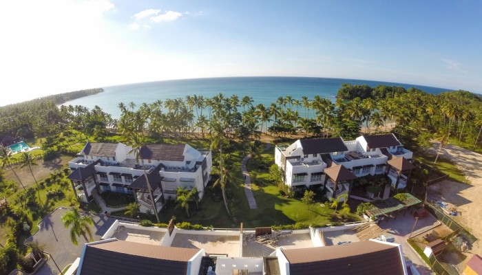 Rare opportunity in popular beachfront residence 2 bed 2 bath ocean view!